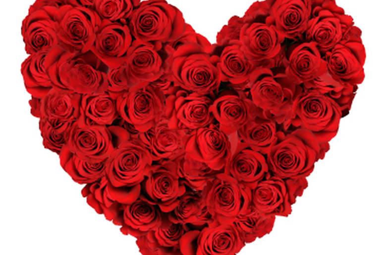 un cuore di fiori profumati per accompagnare un regalo