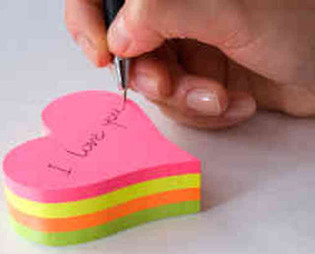 Un post-it gigante, per un originale messaggio d'amore