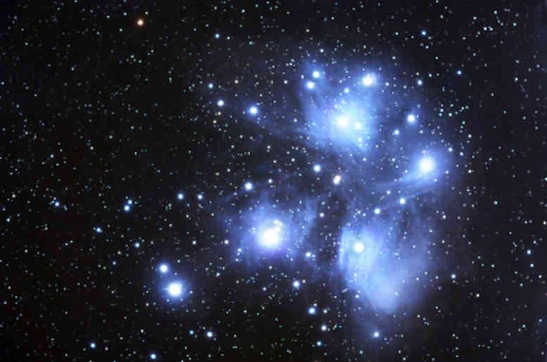 La magia del cielo stellato sul soffitto di camera tua  Casa